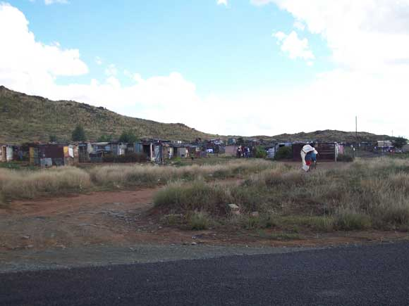 Vol SA 10 Africa046-Squatters-Camp