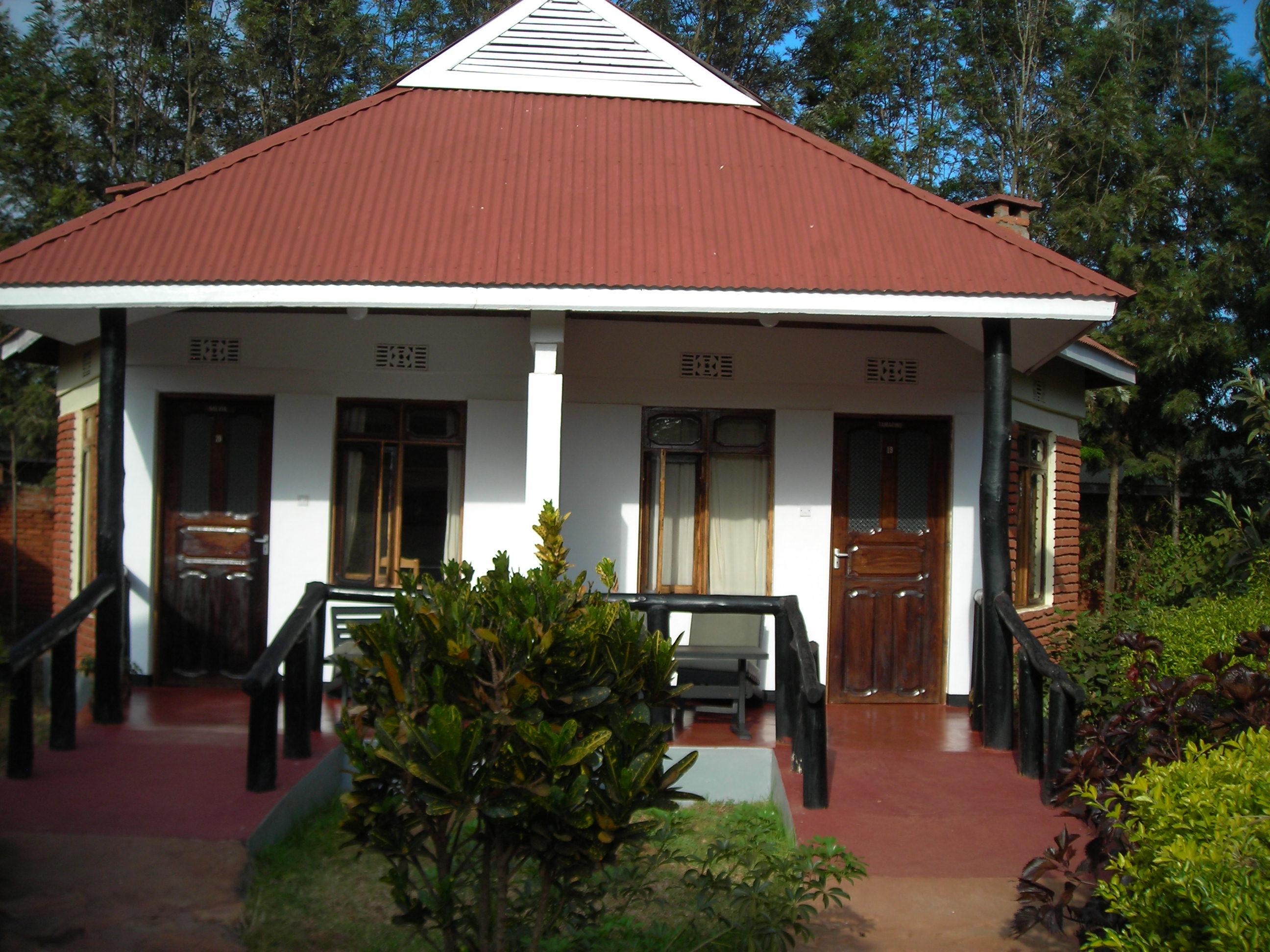 Safari Day 2 DSCN1819 Bougainvilla Lodge